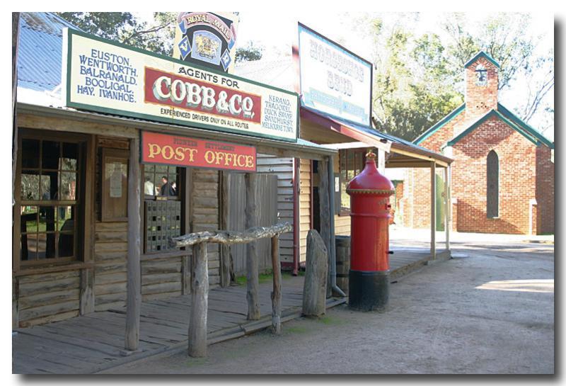 Swan Hill - post office  church.jpg