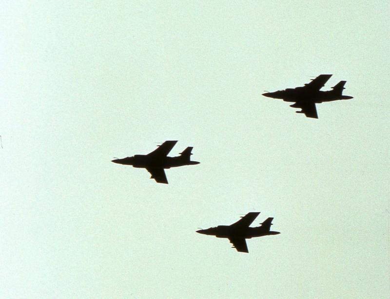 3 little planes.