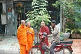 Phnom Penh, Buddist monks