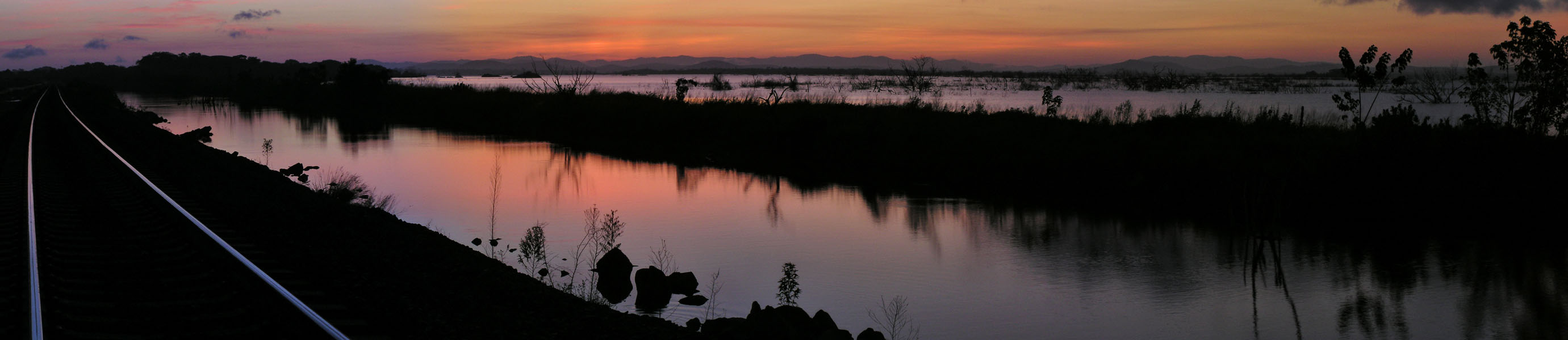 Pano, before sunrise / Antes del amanecer