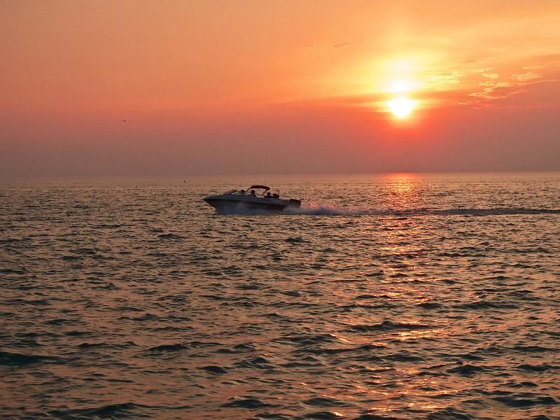 Sunset at Port Dalhousie Ontario 004.jpg