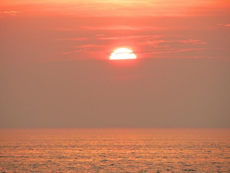 Sunset at Port Dalhousie Ontario 005.jpg
