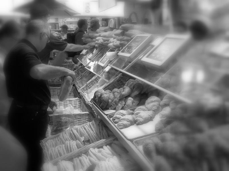 Fresh bread at the market