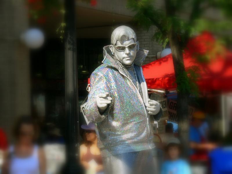 Elvis mime...