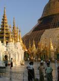 scaffolded  Beauty-Shwedagon.jpg