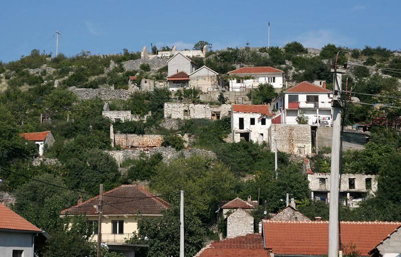 near Pocetelj,destructions of war