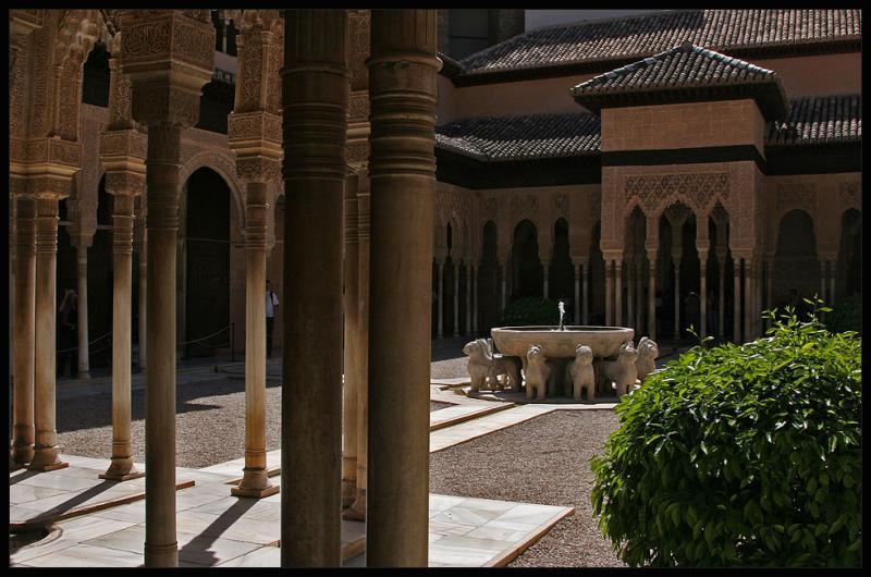 Granada,Alhambra,lions court