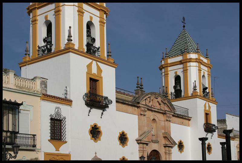 Ronda,white and yellow,colors of the churches