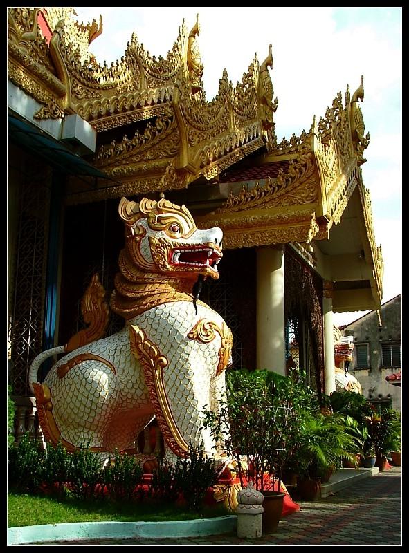 Burmese Dharmikarama temple
