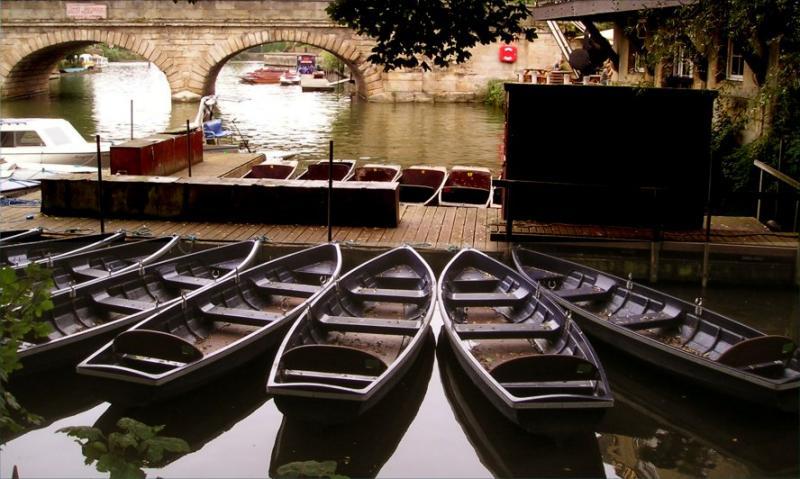 Folly bridge boats take 2