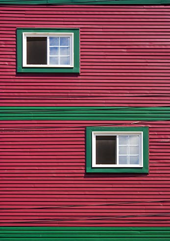 Red Wall, Green Trim 20050805