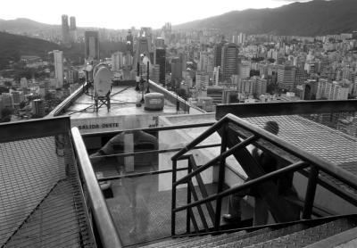 Vista del Oeste de Caracas, desde helipunto del Centro Empresarial Sabana Grande 1