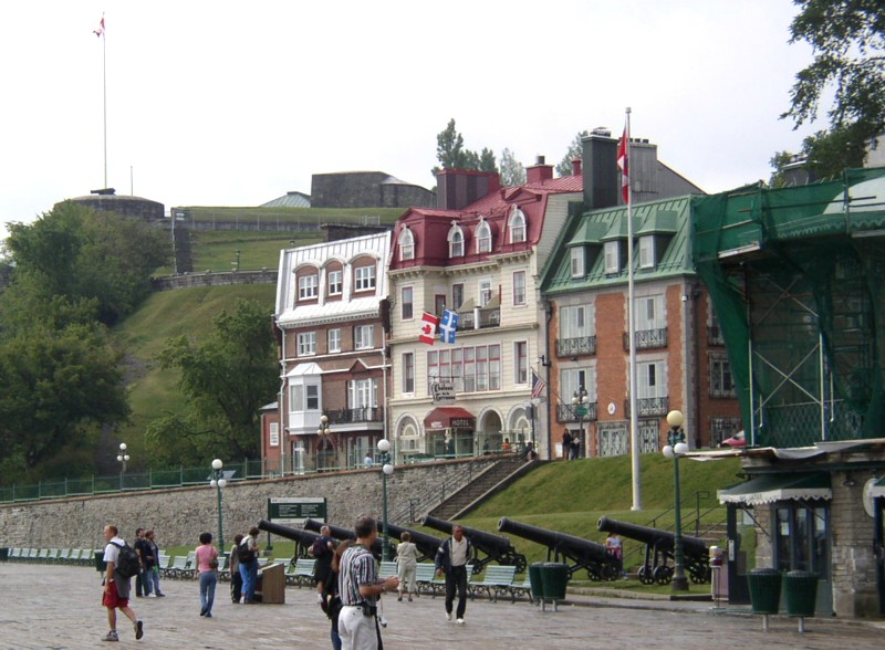 Chateau Frontenac Boardwalk 3.jpg