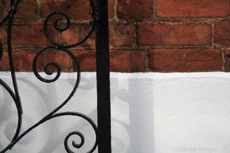 26_08_05 Gate Shadow