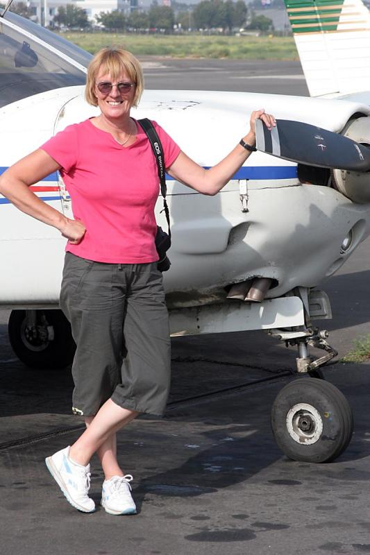 Sue saying goodbye to our rented aircraft for another year.