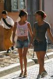Señoritas en la calle Obispo (La Habana)