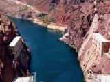 en aval du barrage