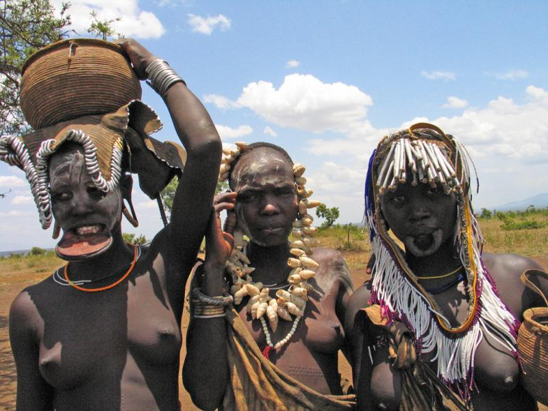 Three Mursi women