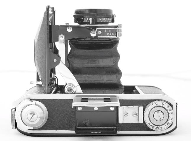 44562938.cameras2VoigtlanderBessa66.JPG