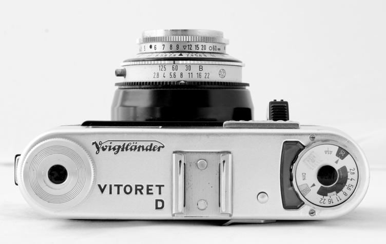 44562976.cameras2VoigtlanderVitoretDtop.JPG