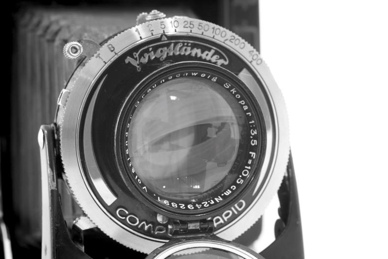 44562875.cameras2BessaRFSkopar.JPG