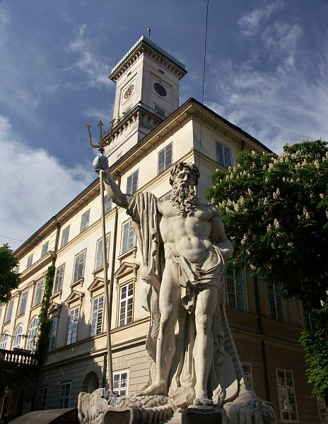 Neptune statue and Town Hall