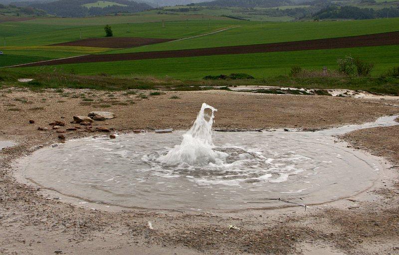 Hot spring, Sivá Brada