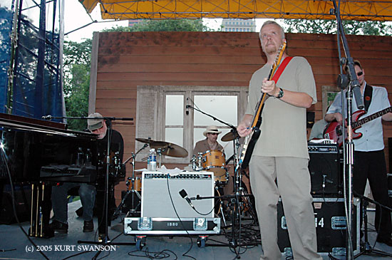 THE CHICAGO BLUESMASTERS
