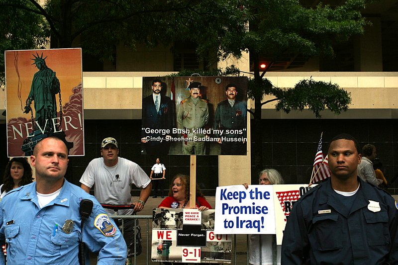 Anti-Sheehan Protester -- who confuses 9-11 with Iraq