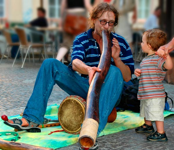 Prague: Didgeridoo Fan