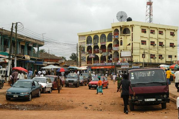 Side street off Nkrumah Circle, Accra