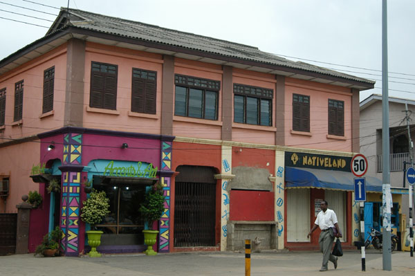 Accents & Art and Nativeland shops, Kwame Nkrumah Avenue, Accra