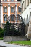 Cage of Shame outside Town Hall, Levoèa