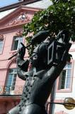 Karneval statue, Schillerplatz