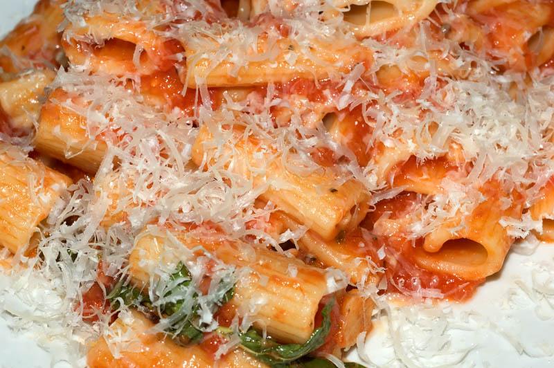 rigatoni pasta with tomato sauce, parmesan 22 july 05
