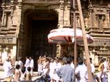 Yathothakari emperuman at the backdrop of Varadar gopuram