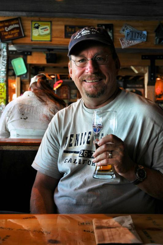 Having a beer at Bubba Gumps in Montereys Cannery Row