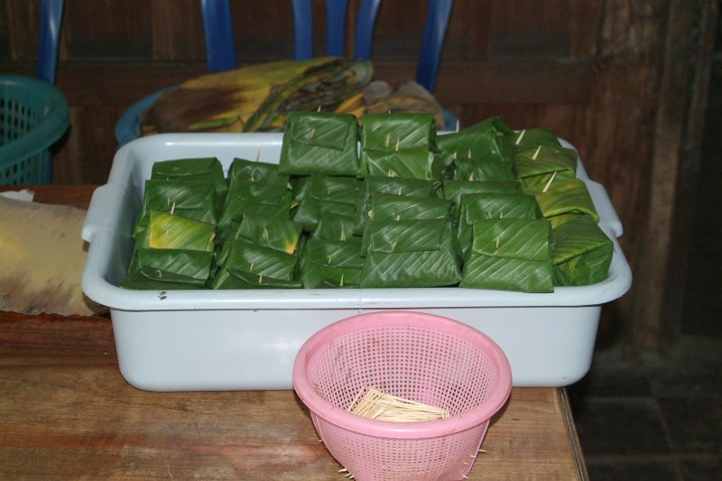 the making of ab part 3 - mixture wrapped in banana leaves ready for the grill DSCF0345.JPG