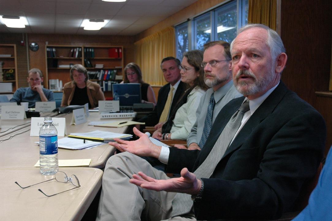 ISU Interim President Gallagher meeting with Faculty Senators DSC_6931.jpg