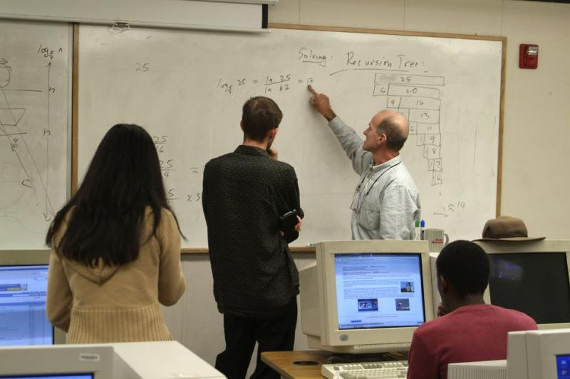 Professor Ken Bosworth explaining recursion to students after class DSCF0052.jpg
