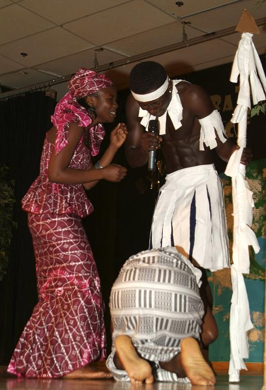 African Dance ISU International Night 2005 Man is also a host DSCF0280.jpg