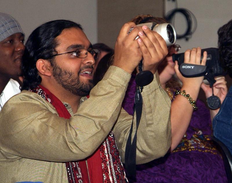 Danyal at ISU International Night 2005 DSCF0397.jpg