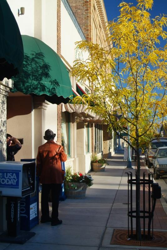 Autumn in Front of The Continental Bistro DSCF0740.jpg