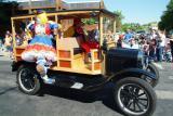 classic car with clown DSCF0100.JPG