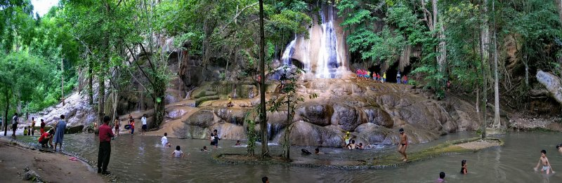 Saiyok Noi Waterfall