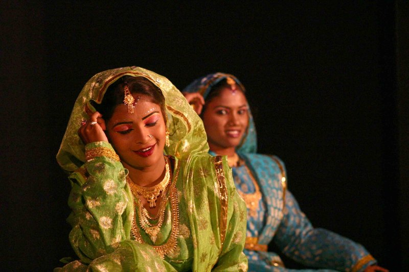 Native Dance Performers Of India