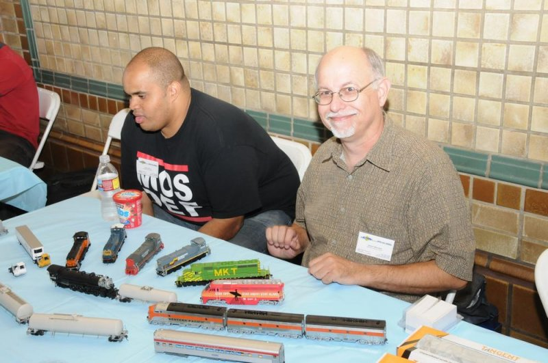 Paul Ellis and Craig at the Athearn Table