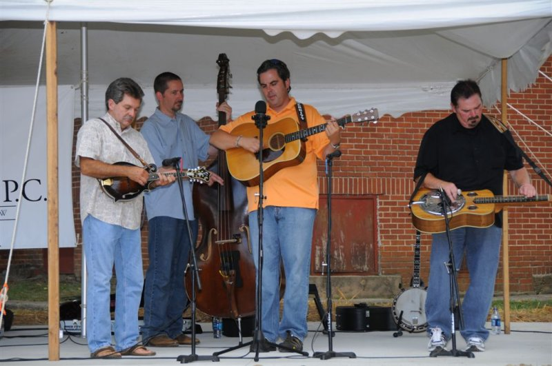Joining David, Brian and Benji was guest banjo/dobro player, Perry Woodie who was sitting in for Mike Crain