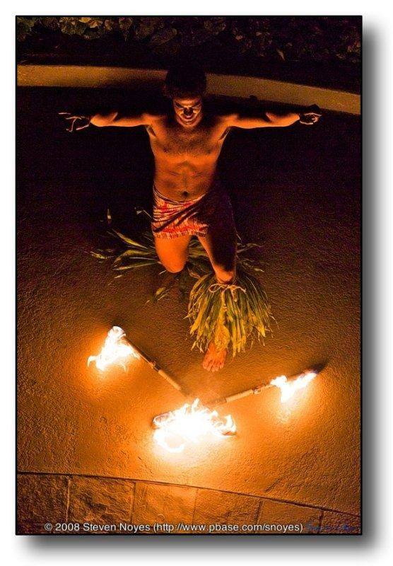Fire Dance Finale : Waikiki Sheraton : Oahu Hawaii