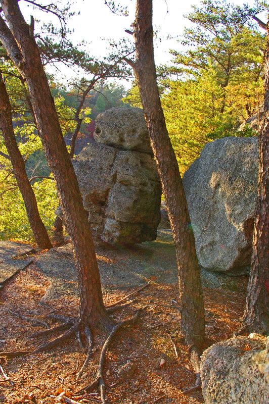 Boulder standing gard at Eagles nest